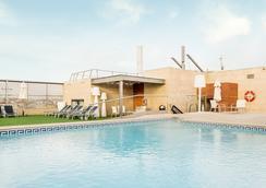 巴塞隆拿依路尼恩酒店 - 巴塞隆拿 - 巴塞隆納 - 游泳池