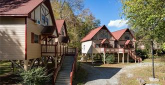 Riverbend Motel & Cabins - Helen - Κτίριο