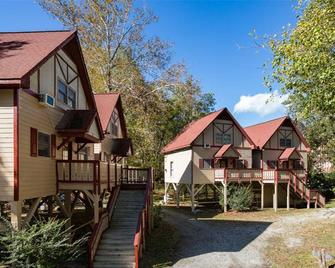 Riverbend Motel & Cabins - Helen - Building