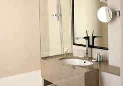 Hotel Chaplain - Paris - Bathroom
