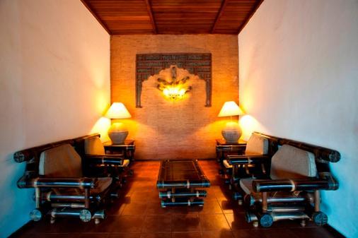 Hotel Timor - Dili - Lounge