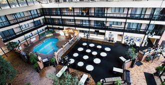 Clifton Victoria Inn at the Falls - Niagara Falls - Lobby