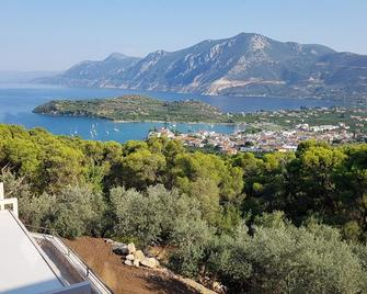 Akron - Palaia Epidavros - Buiten zicht