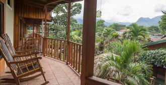 Arenal Hostel Resort - La Fortuna - Ban công