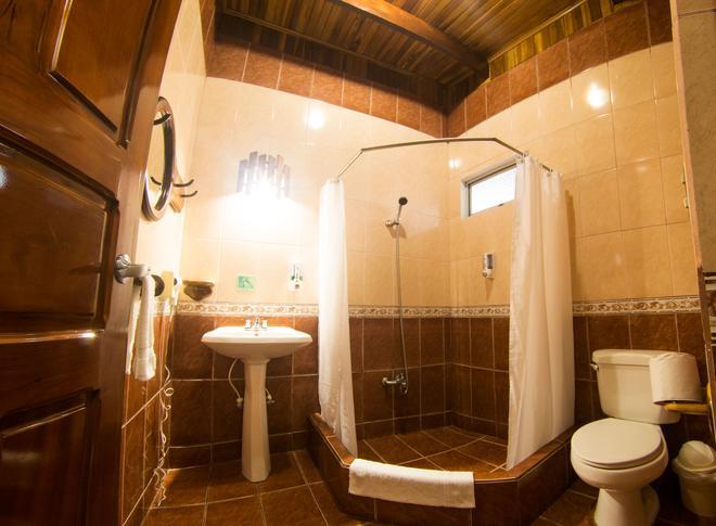 Arenal Hostel Resort - La Fortuna - Banheiro