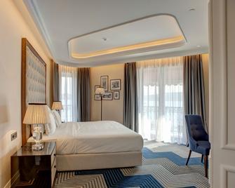 Boutique Hotel La Roche - Tivat - Bedroom