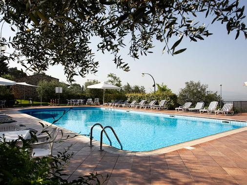 Hotel Ristorante La Terrazza - Assisi - Uima-allas
