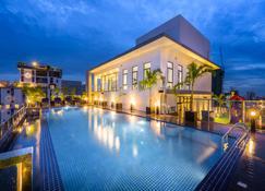 Mansion 51 Hotel & Apartment - Phnom Penh - Pool