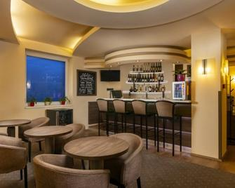 City Hotel Miskolc - Miskolc - Bar