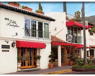 Bellanca Hotel - Avalon - Building