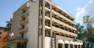 Richmond Hotel - Mamaia