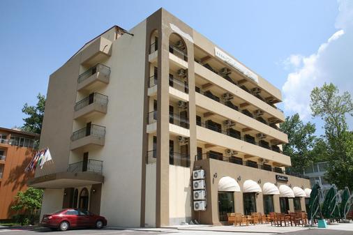 Richmond Hotel - Mamaia - Gebäude