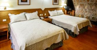 Hotel Posada Vista Bella - Morelia - Bedroom