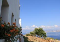 B&B Blu Infinito - Villa San Giovanni - Outdoors view