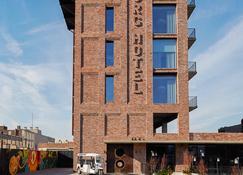 The Williamsburg Hotel - Brooklyn - Building
