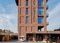 The Williamsburg Hotel - Brooklyn - Building
