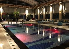 艾克斯頓酒店 - 巨港 - 游泳池