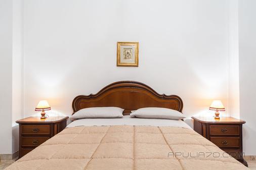 阿普利亞 70 渡假酒店 - 波利尼亞諾濱海區 - 濱海波利尼亞諾 - 臥室