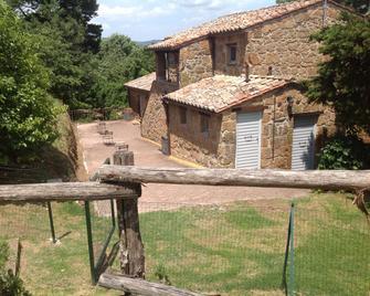 Agriturismo Il Sentiero - Acquapendente - Building