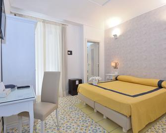 Hotel Settebello - Minori - Slaapkamer