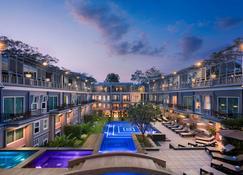 J7 酒店 - 暹粒 - 暹粒 - 游泳池