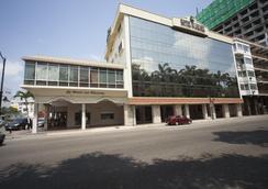 Ramada Hotel - Γουαγιακίλ - Κτίριο