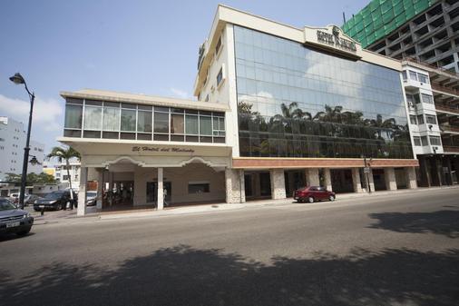 Ramada Hotel - Guayaquil - Building