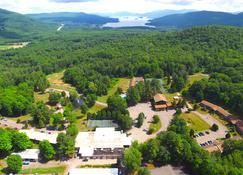 Roaring Brook Ranch Resort - Lake George - Außenansicht