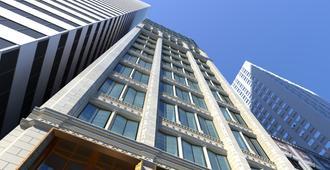 Hotel Julian - Chicago
