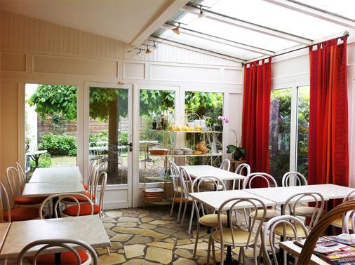 Hotel Italia - Tours - Dining room