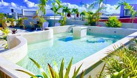 Izsla Hostel Playa del Carmen - 普拉亞卡門 - 游泳池