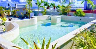 伊澤斯拉體驗青年旅舍 - 普拉亞卡門 - 游泳池