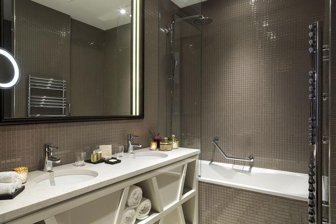 艾菲爾鐵塔之鑰巴黎酒店 - 巴黎 - 巴黎 - 浴室