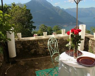 Essentia Guest House - Faggeto Lario - Restaurant