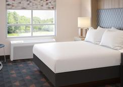 Holiday Inn Fort Myers - Downtown Area - Fort Myers - Bedroom