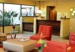 Holiday Inn Fort Myers - Downtown Area - Fort Myers - Lobby