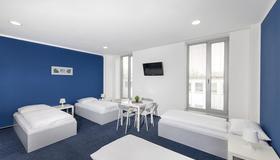 Hotel & Hostel Letov - Praga - Habitación