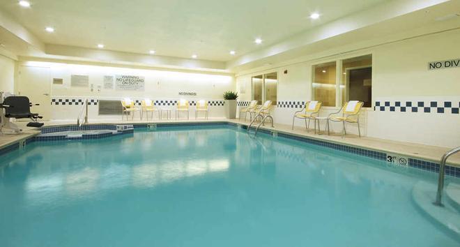 Fairfield Inn and Suites by Marriott Dallas Las Colinas - Irving - Uima-allas