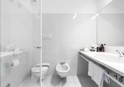 โรงแรมซานโตนี ฟรีโลโซฟี - ตอร์โบเล - ห้องน้ำ