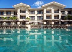 Fairways And Bluewater Boracay - Boracay - Building