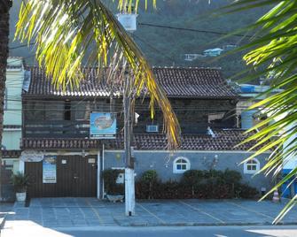 Pousada Casa da Praia - Mangaratiba - Building
