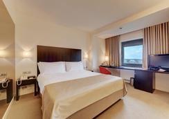 布加勒斯特華美達大酒店會議中心 - 布加勒斯特 - 布加勒斯特 - 臥室