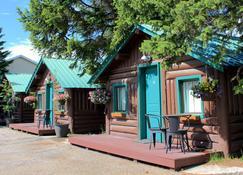 Moose Creek Cabins - West Yellowstone - Bangunan