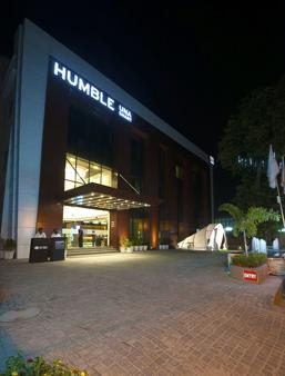 Humble Hotel Amritsar - Amritsar - Rakennus