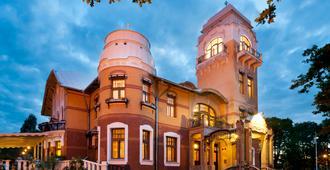 Villa Ammende Restaurant and Hotel - Pärnu - Edificio