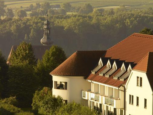 Steigenberger Hotel and Spa Krems - Krems an der Donau - Outdoor view