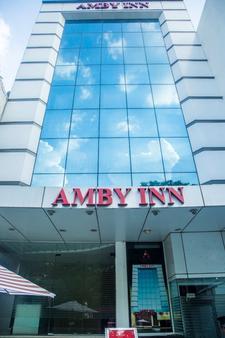 Amby Inn - New Delhi - Toà nhà