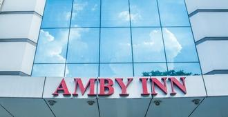 Amby Inn - New Delhi - Bâtiment