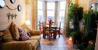 Avarest B&b - Portrush - Living room