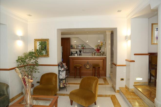 Hotel Borromeo - Rome - Lễ tân